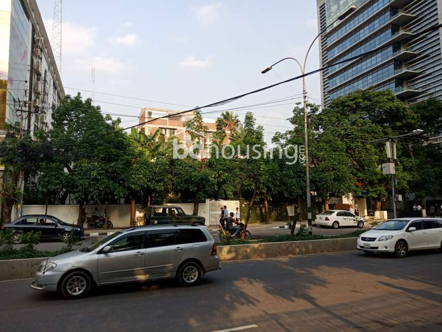 Commercial 20 katha land for Sale in Gulshan Avenue Commercial Plot at Gulshan