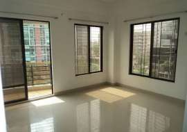 Used Ready Flat At Central Road, Dhanmondi, 1230 Sft (95,00,000/-) Apartment/Flats at Dhanmondi